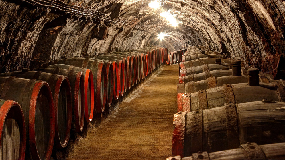 Tokaji, Villányi, Egri: egyre megy, egységes arculatot kapnak külföldön a magyar borok