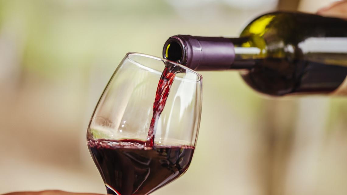 Itt a szigorítás: nem kaphat támogatást, aki kommersz bort készít