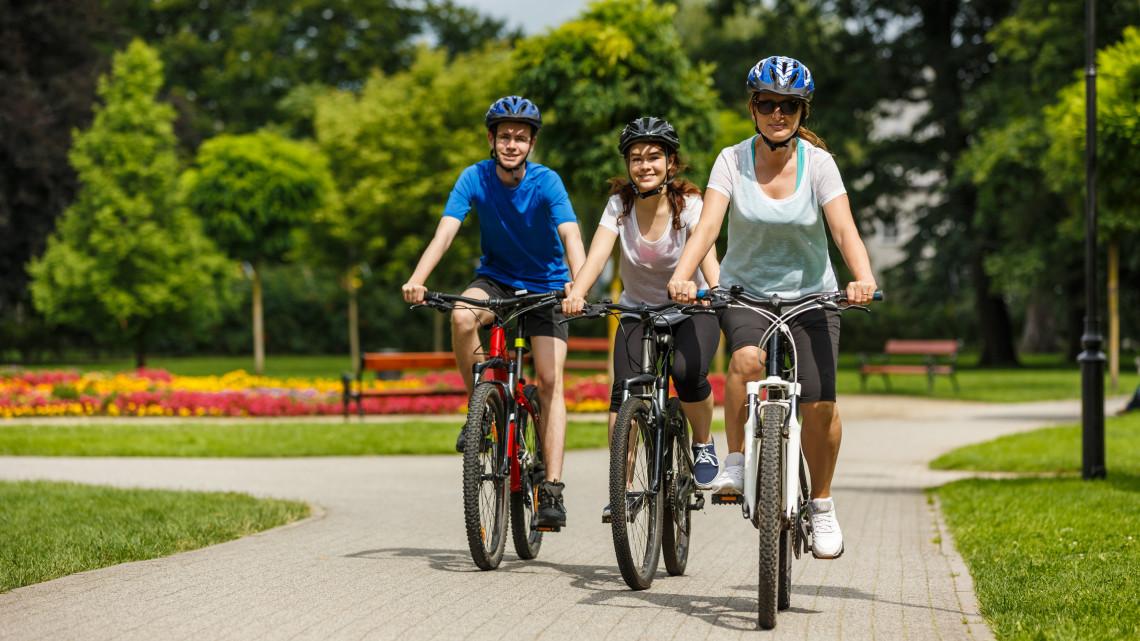 Örülhetnek a bringások: soha nem látott kerékpárútépítés kezdődik