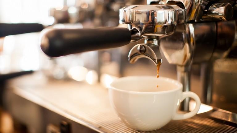 Őrület, mennyi kávét isznak a tinédzserek: hatalmas hibát követnek el?