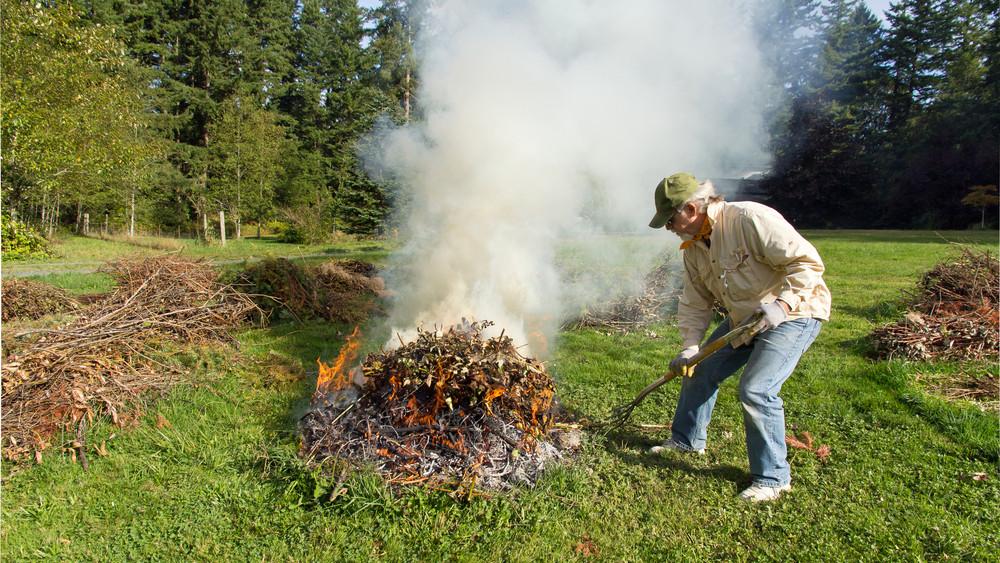 Tilos a falevelek égetése: erre figyelj, hogy elkerüld a gigabírságot