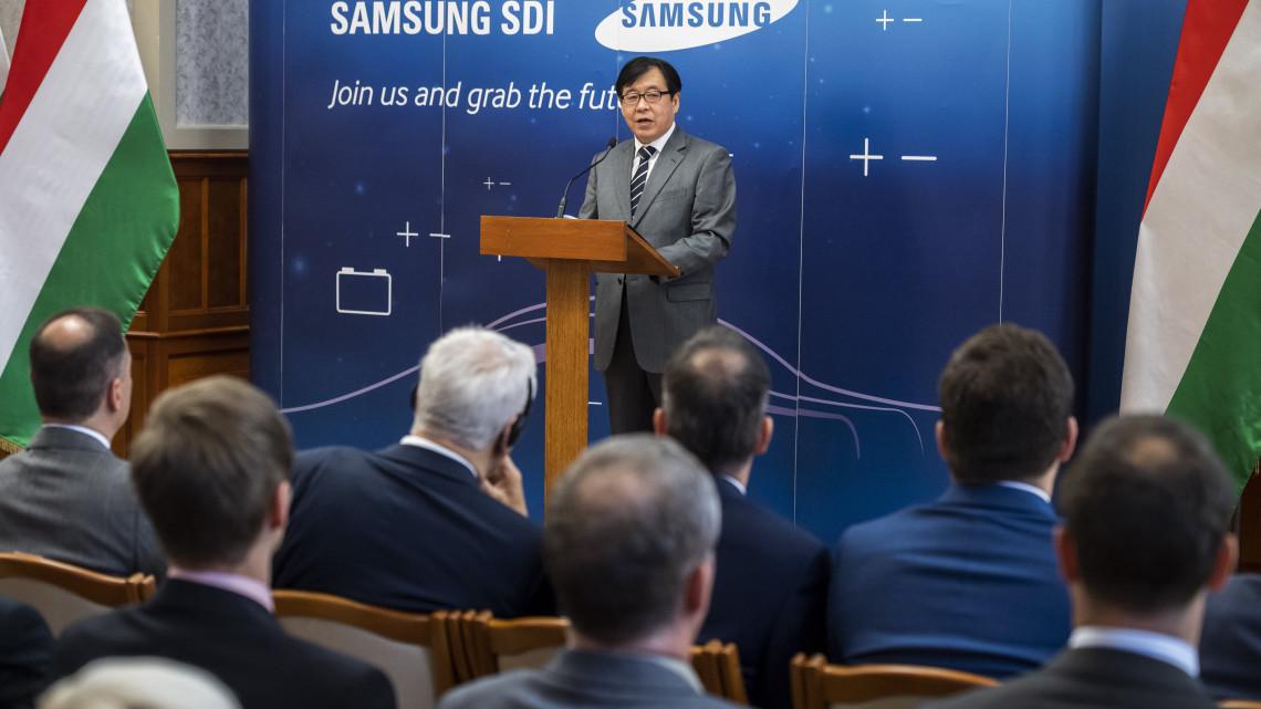 1200 új munkahely Gödön: 390 milliárdból fejleszt a Samsung