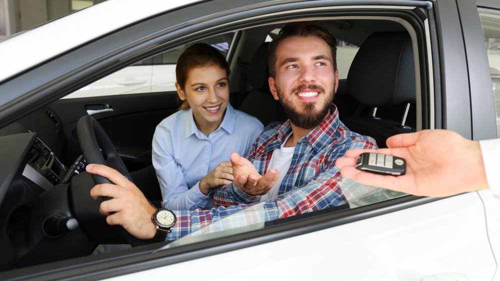 Hatalmas siker az autóvásárlási támogatás: több ezer család használta ki a kedvezményeket
