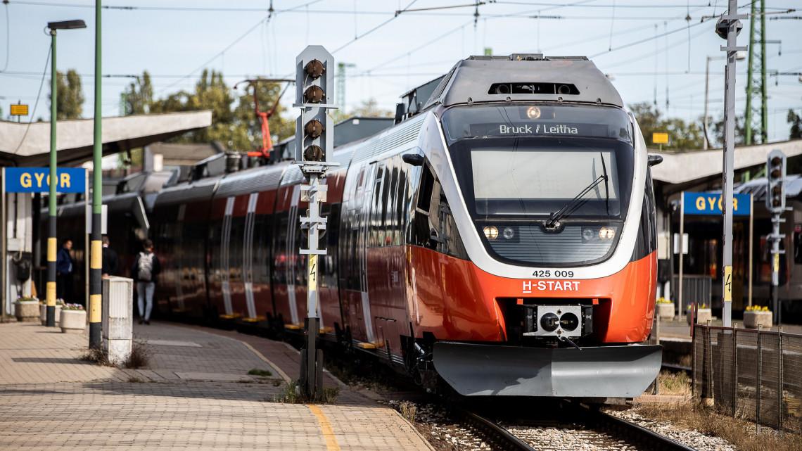 Már közlekedik az első felújított Talent: Győrből, egészen Bécsig utazhatunk