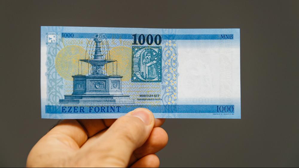 Fontos határidő közeleg: novemberben több ezer magyar bankszámláját zárolhatják
