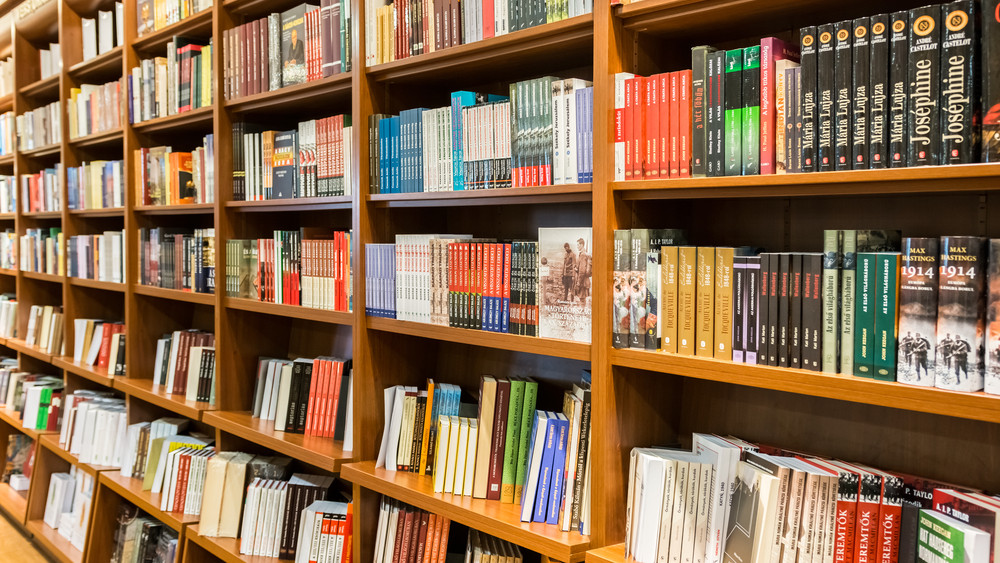Biznisz az Alexandra romjain: miért kell és miért nem kell temetni a könyvpiacot?