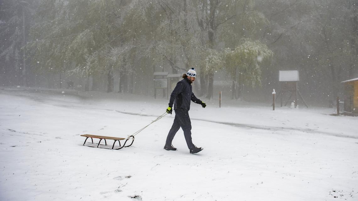 Ítéletidő jön: széllel, hóval, brutál lehűléssel robban be a tél