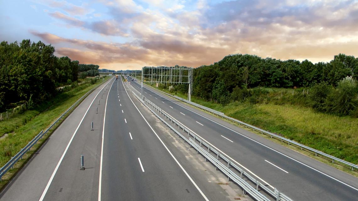 Befejeződött a felújítás: mutatjuk, hol járható jövő héttől az M7-es szakasza