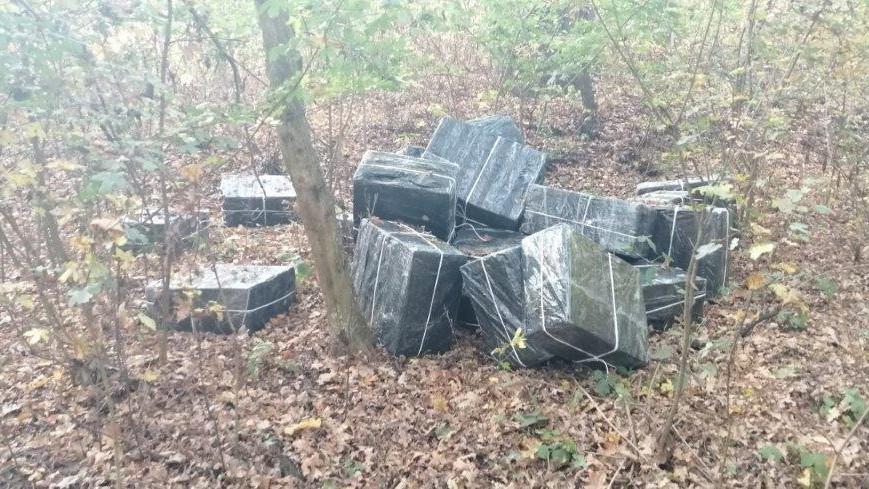 Ilyet még nem láttál: 11 ezer doboz cigit találtak a Tisza-parton