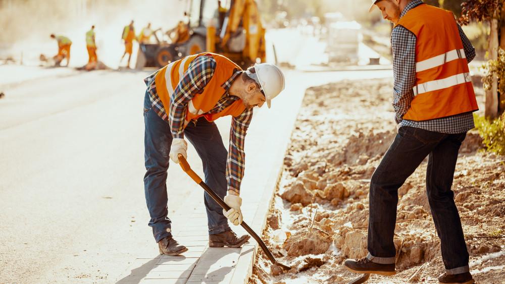 Gyakran bántalmazzák a közúti munkásokat: kampány indul védelmük érdekében