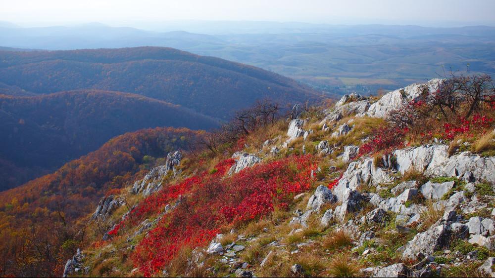 Ha csak egy videót nézel meg ma, ez legyen az: csodálatos felvételeken a Bélkő-hegy