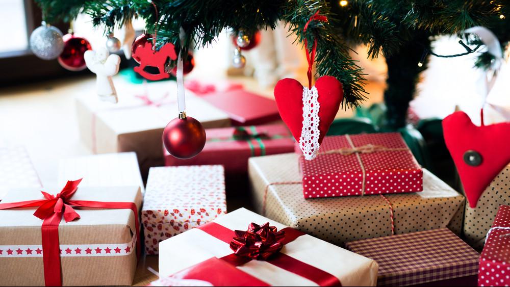 Kiderült: ennyi pénzt tapsolnak el a magyar családok karácsonyi ajándékokra