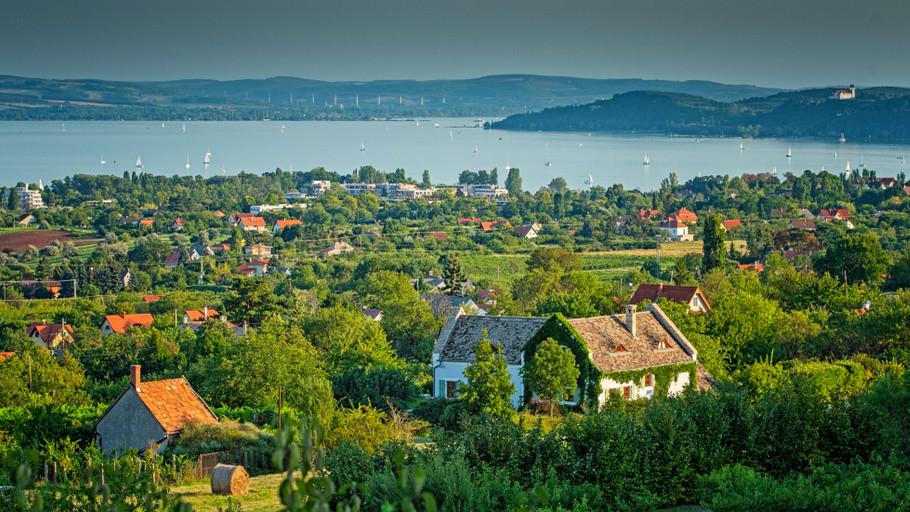 Változások a Balatonnál: aggódnak az önkormányzatok, mi lesz a tó sorsa