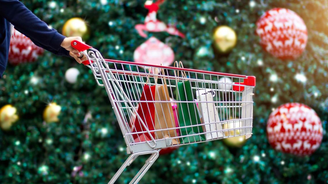 Indul a roham: rekord sok pénzt költhetnek el idén a magyarok karácsonykor