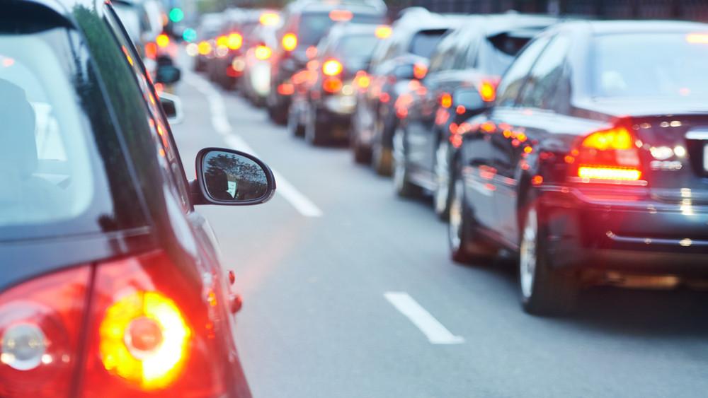 Erre figyeljenek a Nyíregyháza felé közlekedők: burkolatjavítás miatt egy sávon halad a forgalom