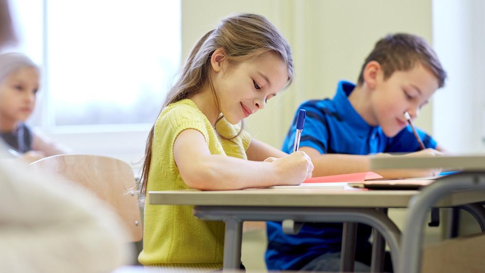 Évszázados mítosz dőlt meg: a lányok is ugyan olyan jók matekból, mint a fiúk