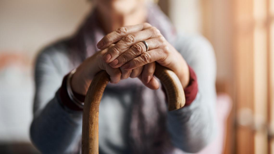 Jó hírt kaptak a nyugdíjasok: csökkenhet a várólista az idősotthonokban