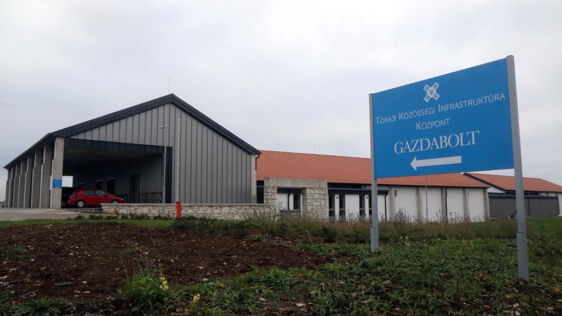 Gigafejlesztést kapott Tokaj-Hegyalja: ilyen lett az új borászati központ