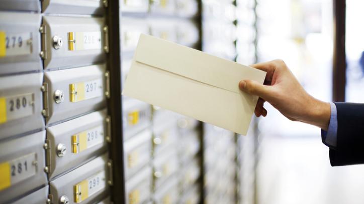 Megkezdődik az előrehozott családtámogatási ellátások postai kifizetése: mutatjuk a részleteket