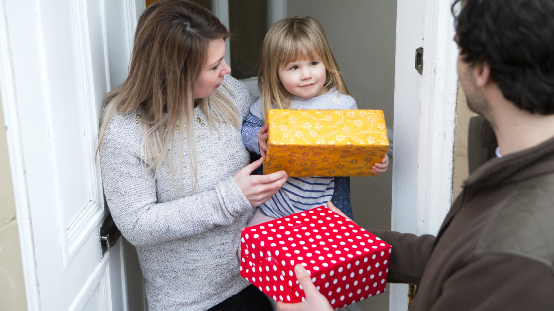 Így támogathatod karácsony előtt a rászorulókat: országszerte több mint 200 helyen gyűjtenek