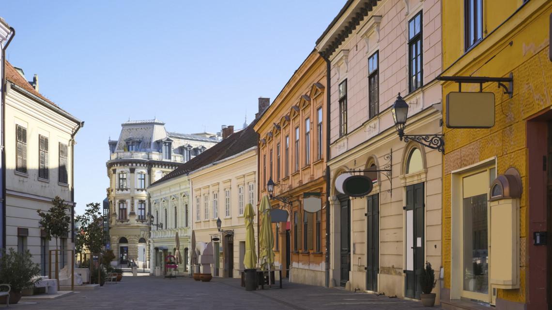Most érkezett: bankrablás volt Pécsen, keresik a tettest