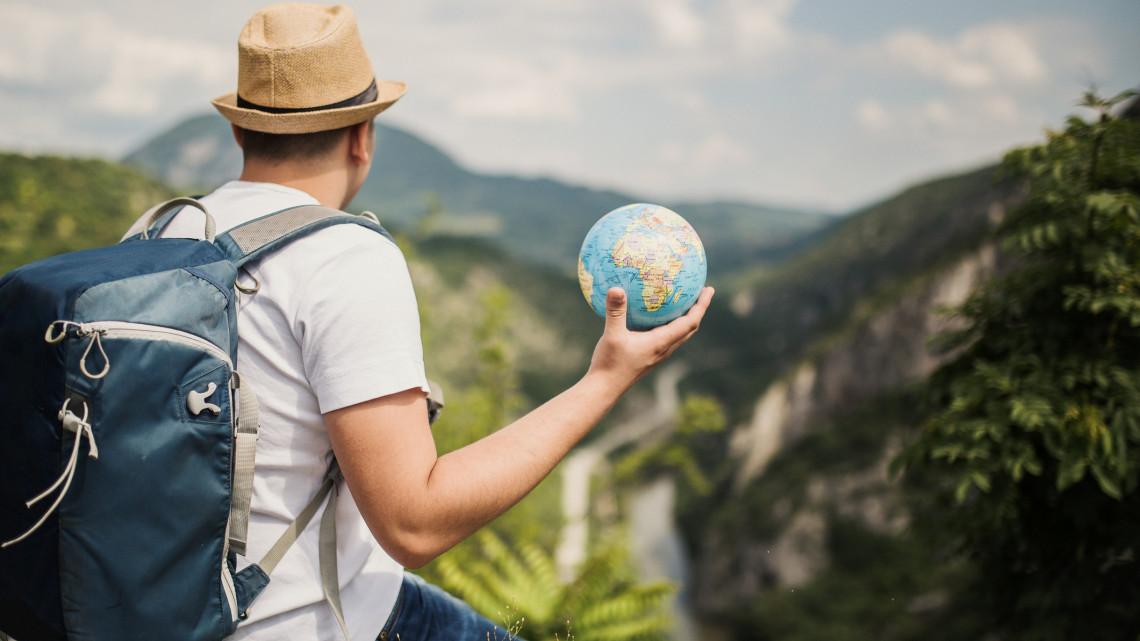 Kiderült, hány embert tudna eltartani a Föld: meg vannak számlálva a napjaink?