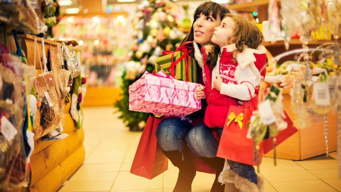 Indul a roham: itt a karácsony, kifosztják a magyarok a boltokat
