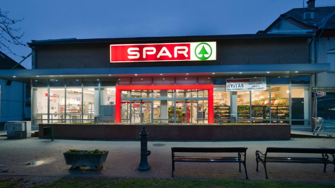 Milliárdos korszerűsítés: így újította meg három vidéki áruházát a SPAR
