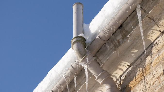 Kemény fagyok jönnek: súlyos károkat okozhat otthonodban a hideg!