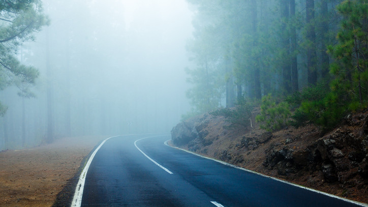 Kiadták a figyelmeztetést: köd borítja be a fél országot