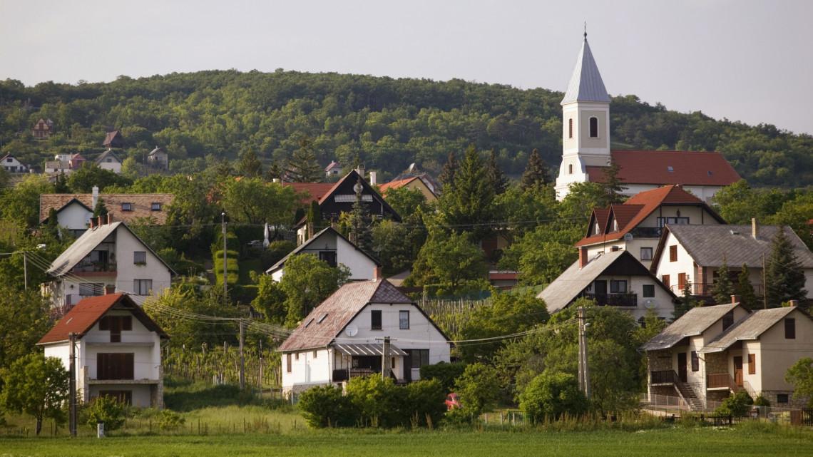 Kiderült, hova költöznek a falusi csokból a családok: itt a megyék toplistája