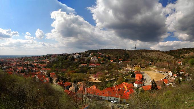 Jó hír a kirándulóknak: tavasszal új kilátó épül a Zengőn