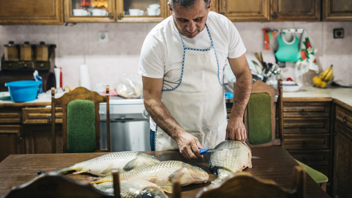 Borsos áron kínálják a halat vidéken: itt a lista, mennyiből jöhet ki az ünnepi vacsora