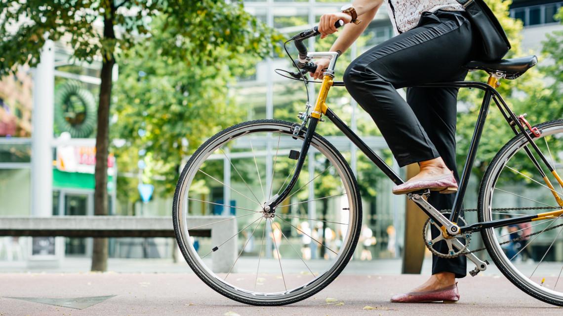 Szuper fejlesztés: eztán új bicikliutakon tekerhetünk ebben a vidéki belvárosban