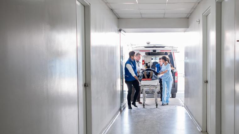 Teljes készenlétben a mentősök: az ünnepek alatt sem lazítanak