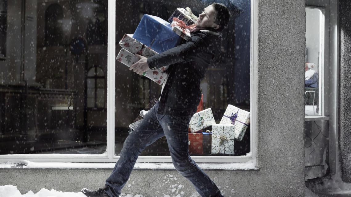 Rekord sokat költenek idén a magyarok karácsonykor: ennyit még soha sem szórtunk el ajándékokra