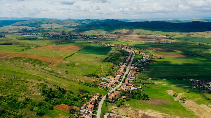 Ezek voltak a falusi csok slágertelepülései 2019-ben: itt venne házat a legtöbb magyar