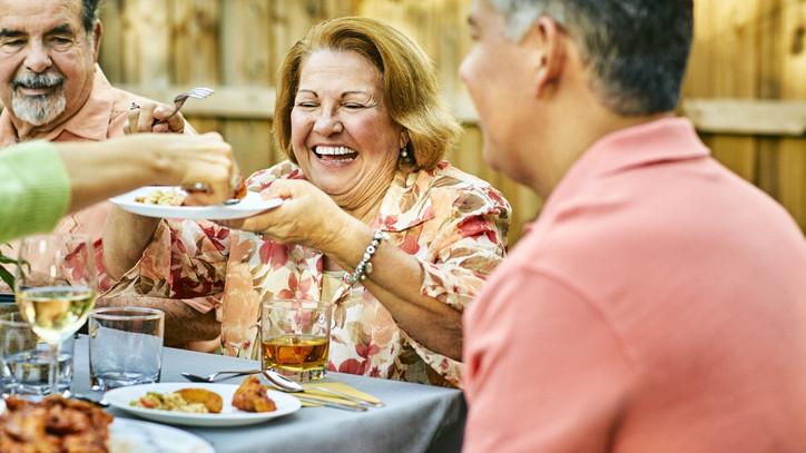Megbetegít az ünnepi zabálás: ezt próbáld ki, ha te is túletted magad