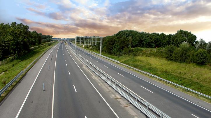 Jó hír az autósoknak: érvényesek lesznek januárban az idei autópálya-matricák