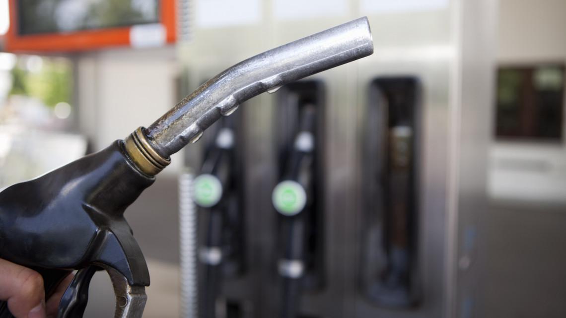 Autósok figyelem: januártól megváltozik az üzemanyagok összetétele