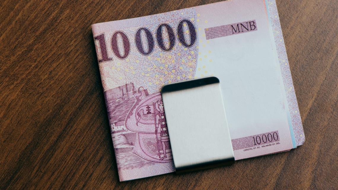 Fontos határidő közeleg: eddig lehet fizetni a régi tízezresekkel