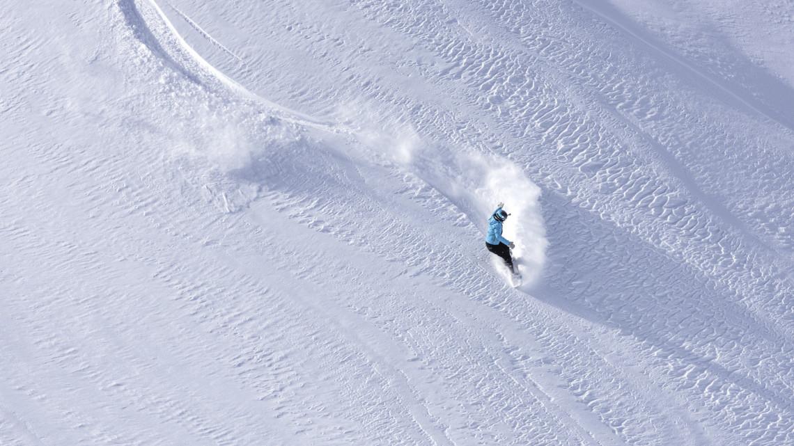 Örülhetnek a téli sportok szerelmesei: újra kinyit az eplényi síaréna