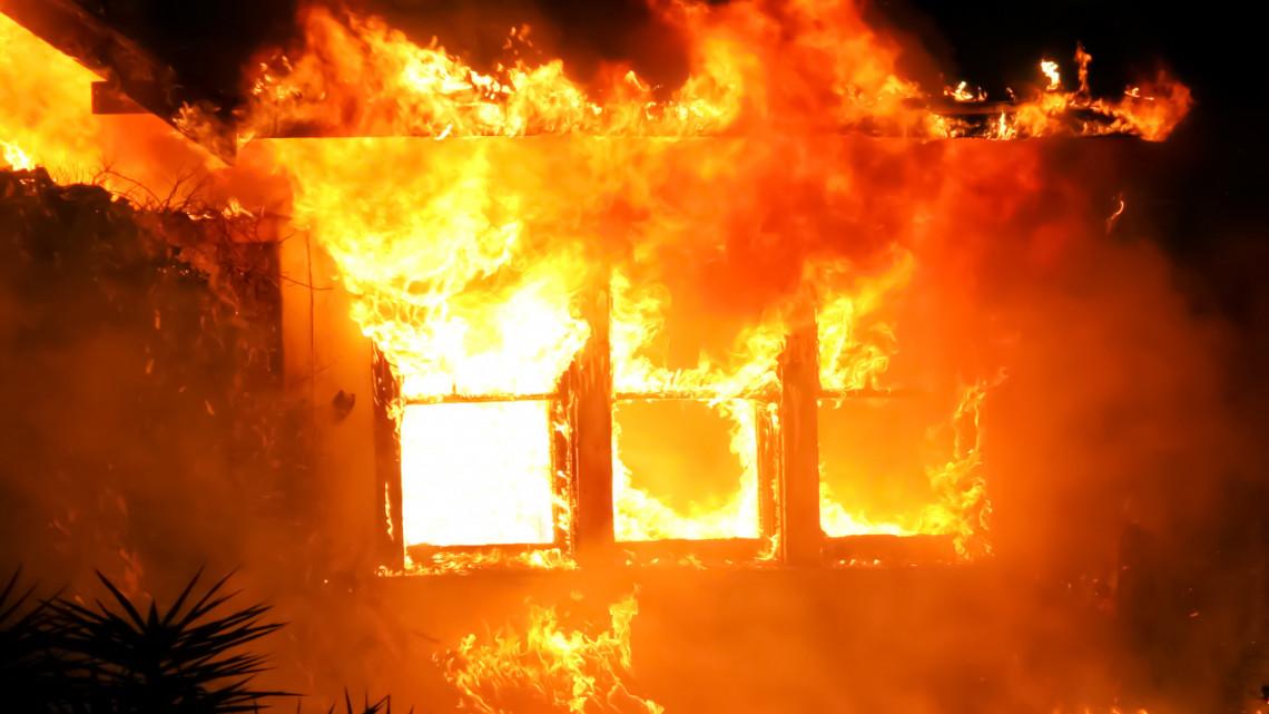 Az összefogás ereje: százezreket gyűjtöttek a leégett mucsi ház lakóinak