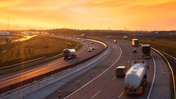 Ezt jó tudni, mielőtt útnak indulunk: mutatjuk, melyik autópályán kezdődnek felújítások