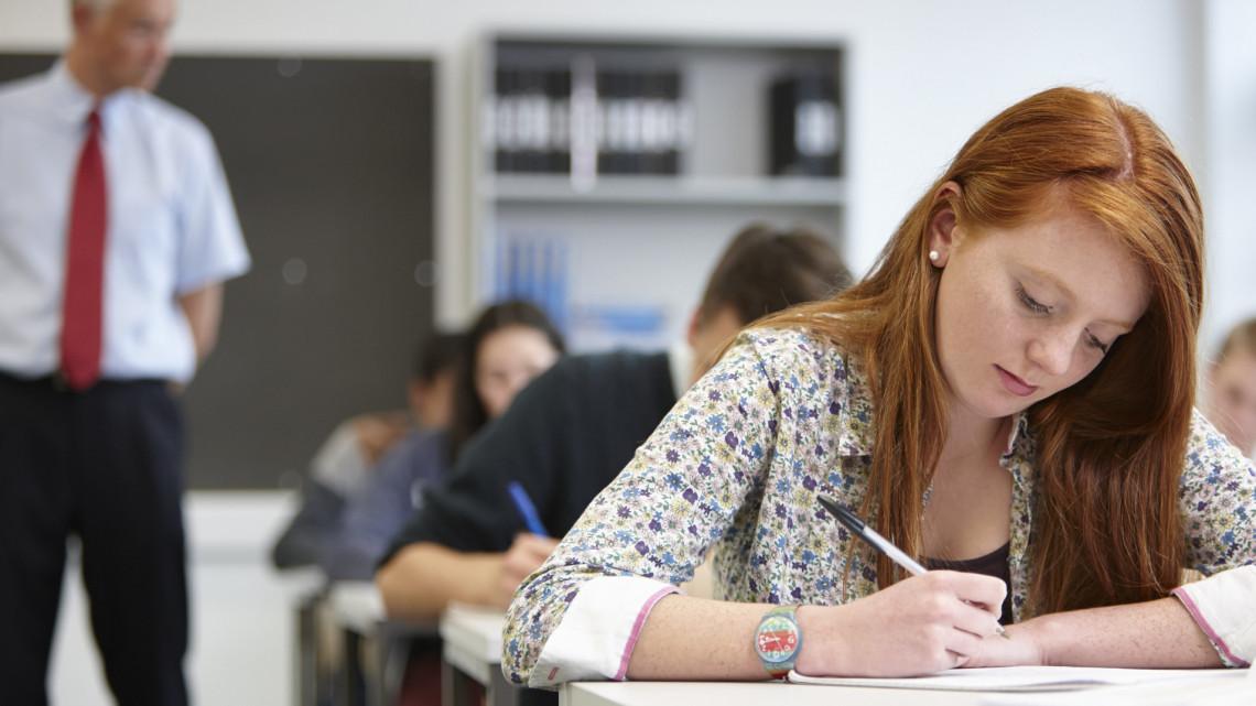 Mi történt? Több ezerrel kevesebb diák jelentkezett nyelvvizsgára tavaly
