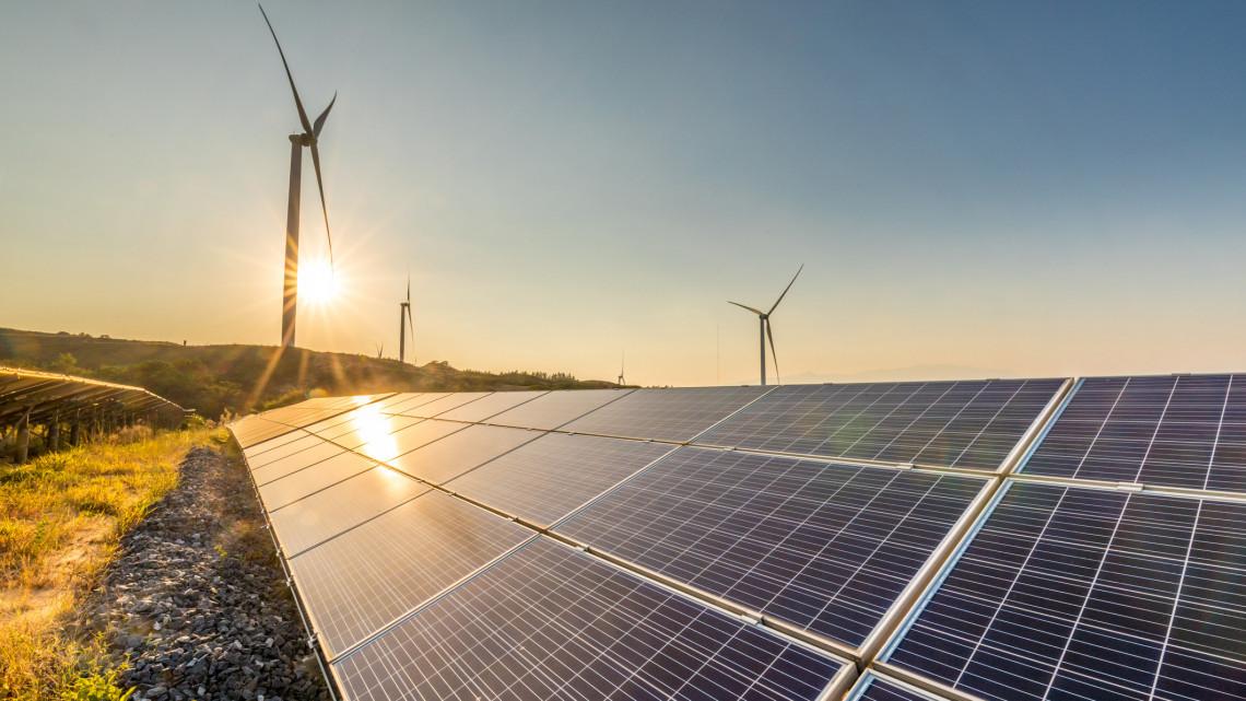 Meglepő, de logikus: eztán termőföldön is lehet napenergiát termelni