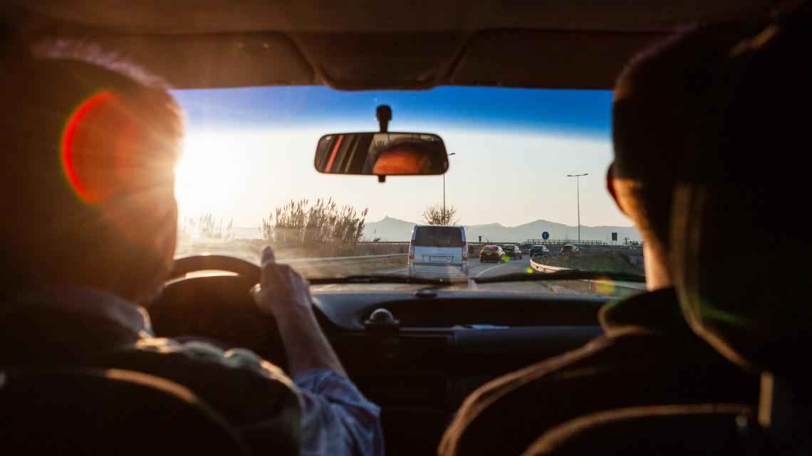 Durva korlátozás a nógrádi határátkelőknél: ezt kérik a sofőröktől a hatóságok