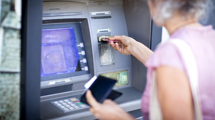 Fontos határidő közeleg: erről informálják ügyfeleiket a bankok