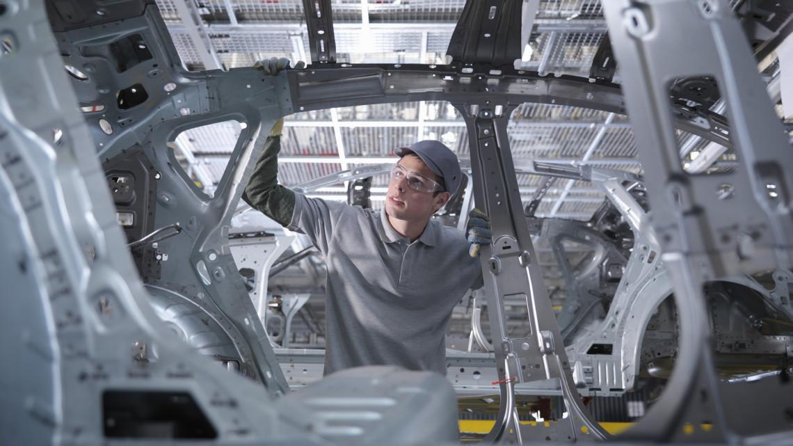 Nagyot lépett a debreceni BMW: erre a pozícióra vette fel első dolgozóit a gyár