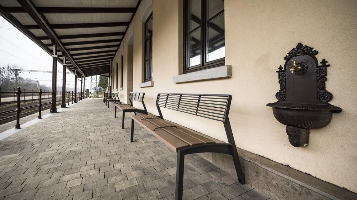 200 millióból szépült meg a sárvári vasútállomás: így néz ki most